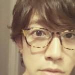 メガネをかけたまこと