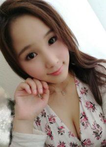 玲子(40歳)