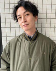遠藤哲也のこのシャツ似合うか見てほしいという確認写真